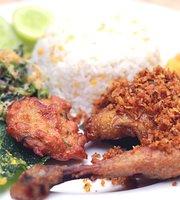 Ayam Kremes Madura Potre Koneng