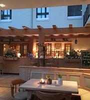 Estrel-Stube im Estrel Hotel