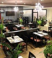 Dong, Asian & Sushi Bar
