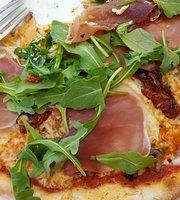 Robertos Restaurang & Pizzeria