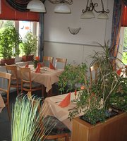 Gasthaus Zur Post Pizzeria Ristorante La vecchia Villa 7 Bundeskegelbahnen