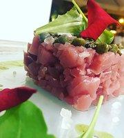 Minami Restaurant & Lounge