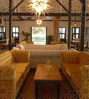 Beyaz Yali Restaurant & Cafe