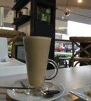 EClairs Coffe Shop