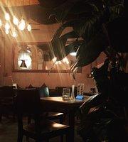 Minh Oi Cafe Lounge