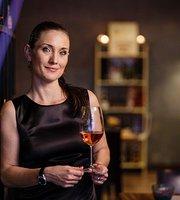 Judy's Wine Bar
