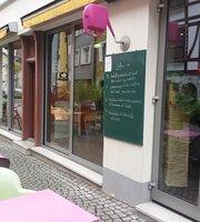Cafe April