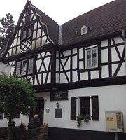 Zur Burg Grenzau