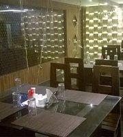 Alakapuri Hotel