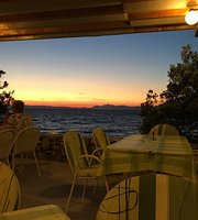 Restaurant atCamp Adriatic Mlaska Sucuraj