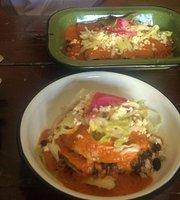 Los Borrados Destileria y Comida Mexicana