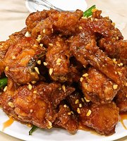 Sinpo Korean Style Sweet and Sour Chicken