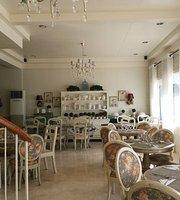 Simply J's Cafe & Restaurant