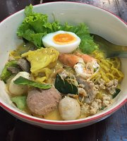 Tom Yum Koong Noodle and Sweet Egg