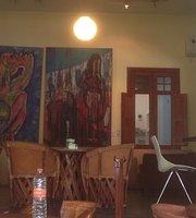 Cafe La Paloma