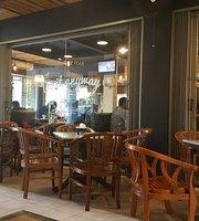 Kopi Raya Cafe