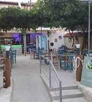 Lefkara Coffee Yard Bar-Restaurant