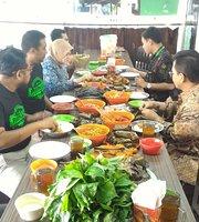 Rumah Makan Simpang Rawi