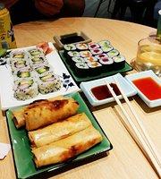 Tomi Sushi & Wok