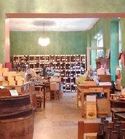 Weinberg, Weinhandlung und Weinbar