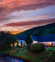 Glenora Inn & Distillery Pub