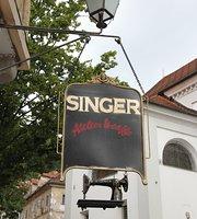 Singer Atelier Café