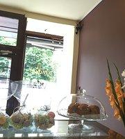 Cafe La Familia
