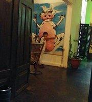 La Vaka Galeria & Restaurant