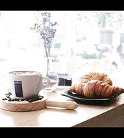Epicure Market & Cafe