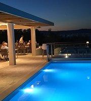 Velaris restaurant garden & grill