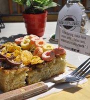 B'tur Resto & Cafe