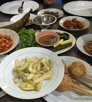 Rumah Makan Sarinande Tempo Doeloe