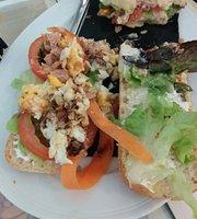 Bluma Cafe