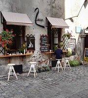 2 Okna Cafe