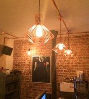 Le 217 Brasserie Restaurant