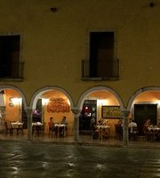 La Cantina Restaurante y Bar