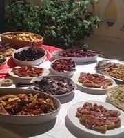 Al Mantiah Restaurant