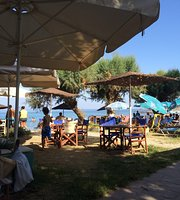 Petalidi beach bar and restaurant