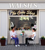 ‪Walsh's Bakery and Coffee Shop‬