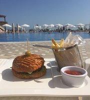 Mambo Beach Club & Restaurant