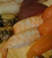 Miseczka Oshin. Sushi bar