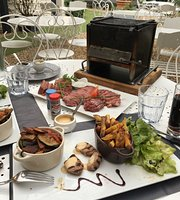 Restaurant Dans L'arriere Cour