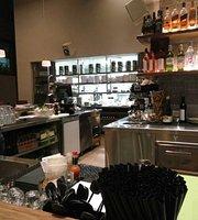 Dominic Kitchen Bar