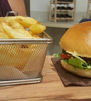 Bthree Burger Bar Bistro