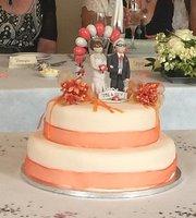 Cakes Bakes n Shakes