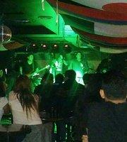 Cerati Rock Bar
