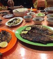 Duta Cafe Lesehan Atas Laut