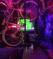 Zing Lounge