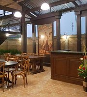 La Taverna Hall & Dining