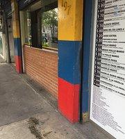 Pollos Mario Restaurante y Panadería Colombiana